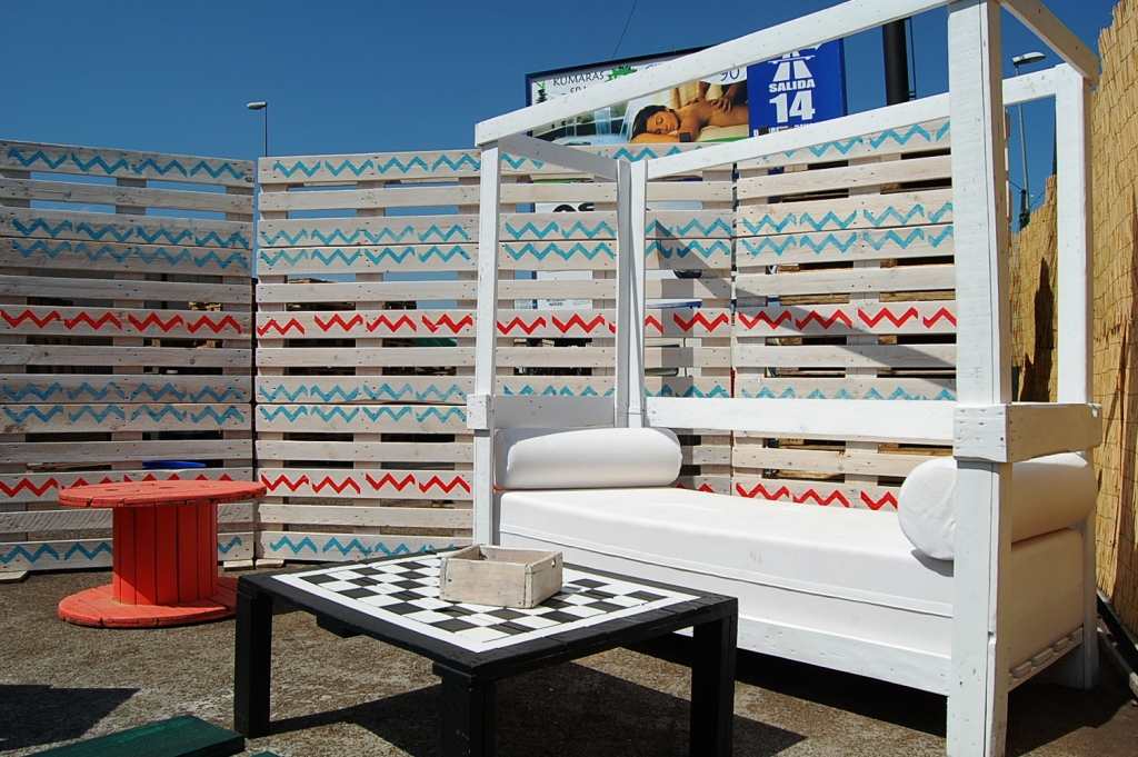 Tienda de muebles en sevilla beautiful proyectos with for Muebles baratos sevilla