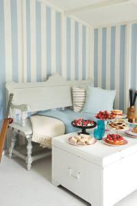 papel-pintado-rayas-azules-glastonbury-decoracion sevilla-dormitorio infantil pirata